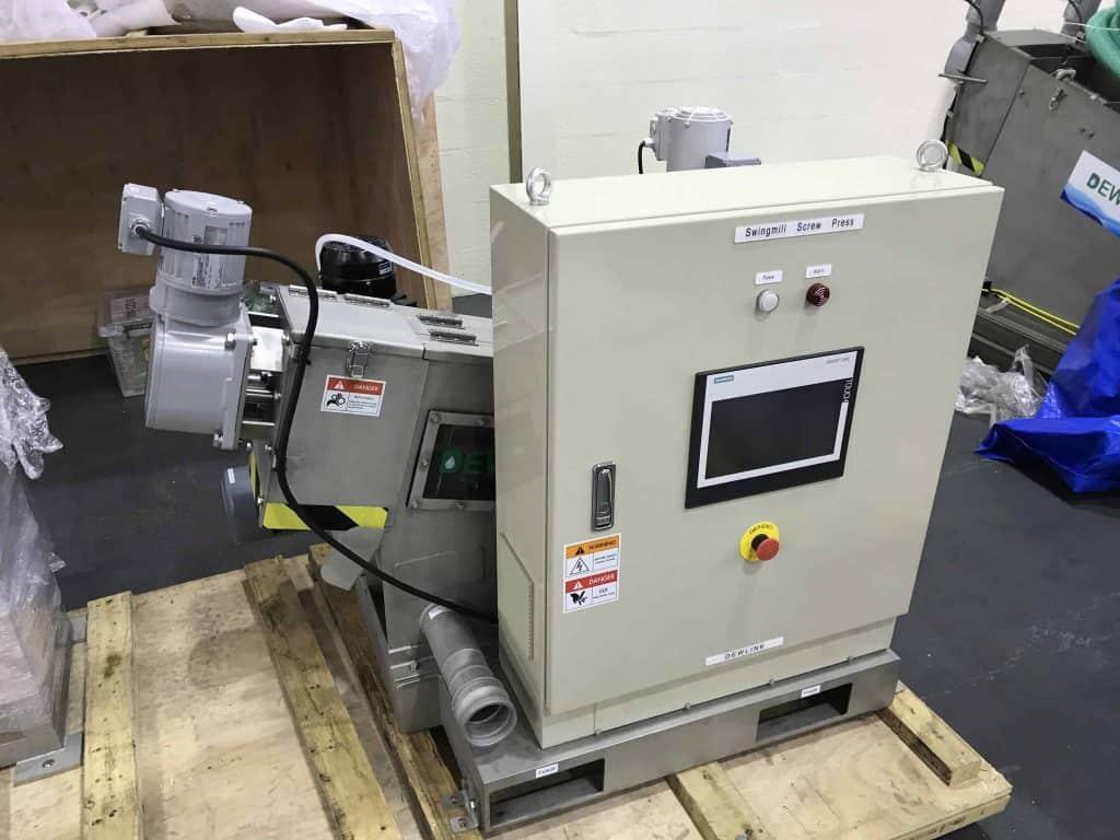 Mini sludge dewatering screw press